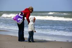 Mama i córka | Mom and daughter #bałtyk #morze #baltic #sea #seaside #poland #polska #visitpoland #seeuinpoland
