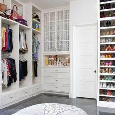 walk in closet ideas | Un wolk in Closet es un espacio ideal par mantener la ropa en un lugar ...