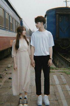 Korean Wedding Photography, Couple Photography Poses, Korean Couple Photoshoot, Cute Couple Outfits, Boy And Girl Best Friends, Ulzzang Couple, Couple Aesthetic, Fashion Couple, Foto Pose