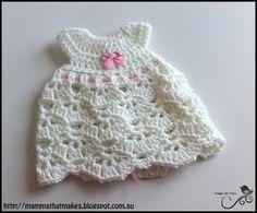 * Mamma That Makes: Lyra Gown - Free Crochet Pattern
