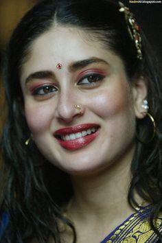 Kareena Kapoor in Chameli 2003 Bollywood Actress Hot Photos, Bollywood Girls, Beautiful Bollywood Actress, Most Beautiful Indian Actress, Bollywood Actors, Bollywood Celebrities, Katrina Kaif Hot Pics, Kareena Kapoor Pics, Beautiful Heroine