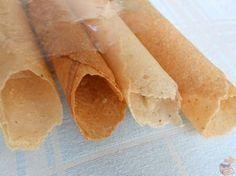 Biju, aprenda a fazer essa deliciosa receita que trás um gostinho de infância. Experimente!!! INGREDIENTES 60 gr de farinha de trigo 60 gr de manteiga 60 gr de açúcar 3 colher(es) (sopa) de glucose de milho COMO FAZER BIJU MODO DE PREPARO Misture a manteiga, A glucose e o açúcar e aqueça levemente para que … Other Recipes, Sweet Recipes, Cake Recipes, Snack Recipes, Cooking Recipes, Snacks, Portuguese Recipes, Biscuit Cookies, Pancakes And Waffles