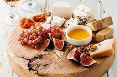 Сырная тарелка: с чем лучше сочетать сыры – вино, фрукты орехи