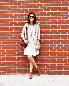 Look combinação de outono: vestido com mangas, colete e botinhas. Vic Ceridono | Dia de Beauté