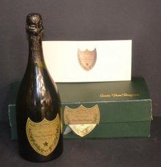 1 Bottle 1976 Moët & Chandon Cuvée Dom Pérignon