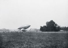 * Santos Dumont 14-bis * Campo de Bagatelle.  Julho 1906.