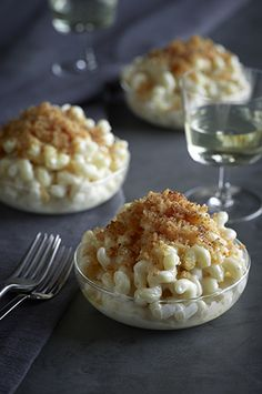 SAUVIGNON BLANC Willow Lodge's Barking Frog White Cheddar Mac & Cheese with Truffle Oil