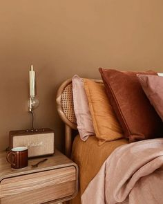 Terracotta, burnt orange and plum coloured bedroom. How to style your home interior with this stylish colour scheme. Color Palette For Home, Audio Room, Home Decor Bedroom, Diy Bedroom, Couple Bedroom Decor, Brown Bedroom Decor, Earthy Bedroom, Natural Bedroom, Minimal Bedroom