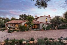 Project 32 by Giffin & Crane | HomeAdore HomeAdore Spanish Style Homes, Spanish House, Spanish Revival, Luxury Mediterranean Homes, Brick Pathway, Decor Home Living Room, Room Decor, Modern Bungalow House, American Houses