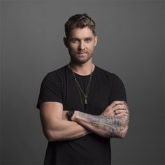 Brett Young is named a 2017 Taste of Country RISER. Find out more about Brett in the singer's exclusive interview and live performance. Country Music Stars, Country Music Singers, Male Country Artists, Male Artists, Best Friend Love, Florida Georgia Line, Scotty Mccreery, Chris Young, Jason Aldean