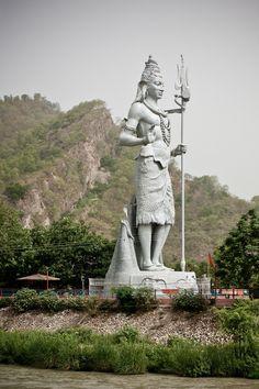 Shiva statue by the Ganges, across Har-ki-Pauri, Haridwar.jpg