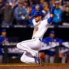 #Royals tie the game in the 6th! #TakeTheCrown   royals.com