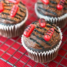 """The perfect dessert for your end of summer cookout: Fresh chocolate cupcakes, hot off the """"grill."""""""