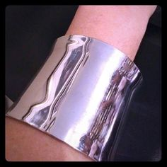 Stunning silver cuff Worn once to a wedding. A little over 2 inches in total thickness Jewelry Bracelets