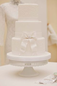 Have you been looking at white wedding cakes? These elegant lace, and floral wedding cake designs are bound to tempt you Luxury Wedding Cake, White Wedding Cakes, Beautiful Wedding Cakes, Beautiful Cakes, Dream Wedding, Wedding Cake Images, Wedding Cake Designs, Fondant Cakes, Cupcake Cakes