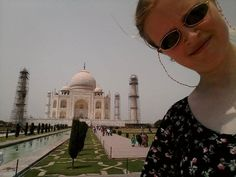 by @hannahdinz #mytajmemory #IncredibleIndia #tajmahal #omg!!! couldn't see my screen cus of the sun light and a million selfies later this will have to do