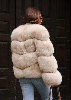 Fox Fur Jacket, Fox Fur Coat, Fur Coats, Fur Fashion, Pattern Fashion, Fur Babies, Faux Fur, Chevron, Fur Jackets