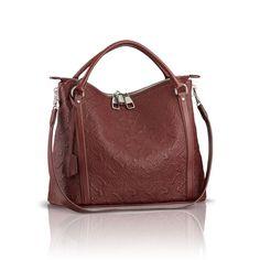 Ixia PM via Louis Vuitton #bags #fashion