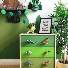 How cute is this little man cave? The painted Rast with dino knobs is rawrsome. 📸 @sweet_home_of_mine . #kidsroomdecor #jungletheme #dinosaurdecor