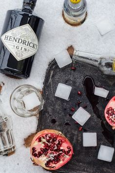 gin tonic eis am stiel / gin tonic popsicles with pomegranate & hendricks gin