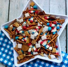 50 Best of July Appetizers - Prudent Penny Pincher 4th Of July Party, Fourth Of July, The Birth Of Christ, Xmas Wreaths, Holly Berries, Helium Balloons, Wreath Crafts, Diy Crafts, Craft Shop