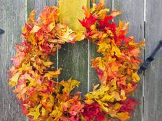Oak Leaf Wreath: Skip the hot glue and insert the preserved leaves directly into a grapevine wreath. Pick up one of the colors in a thick ribbon, and you're good to go. For more fall DIY wreaths, click through! Diy Fall Wreath, Fall Wreaths, Door Wreaths, Wreath Ideas, Grapevine Wreath, Fall Crafts, Holiday Crafts, Diy Crafts, Wreath Crafts