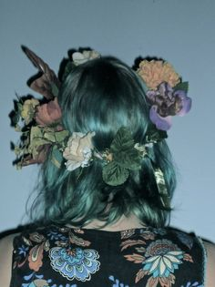 ♡ Hey Dickface ♡ wavy sea blue hair with flower wreath
