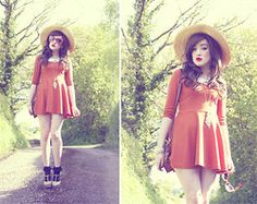 Vintage Straw Hat, Little Me Peter Pan White Collar, Tk Maxx Orange Dress, Claires Gold Peacock Necklace, Primark Floral Tan Bag, Romwe Sunglasses