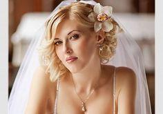 Hochzeitsfrisuren mittellange haare offen #brautfrisurhalboffen #haarehalboffen #abschlussballfrisuren #halb #halbhochgesteckt #schicke #flechtfrisuren #hochsteckfrisuren #geflochten #locken #schleier