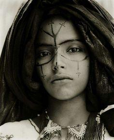 CAPPUCCETTO ROSSO_trucco (Tuareg woman)