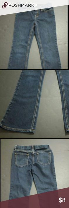 CHILDREN'S PLACE SIZE 10 BOOTCUT JEANS CHILDREN'S PLACE SIZE 10 BOOTCUT JEANS  These are a great condition pair of denim jeans from Place. These are a Girl's size 10. These are a darker wash and are a bootcut style. These are pre-owned and some signs of wear/use should be expected.? Children's Place Bottoms Jeans