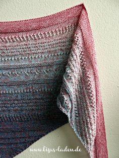 """**Anleitung für ein gestricktes Dreieckstuch aus Farbverlaufsgarn** Das Tuch """"Strawberry Jeans"""" habe ich aus einem Farbverlaufsgarn der Firma 100Farbspiele gestrickt. Es hat eine klassische..."""