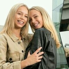 Lisa and Lena ♡ Ranz Kyle, Nadia Turner, Famous Twins, Cute Braces, Lisa Or Lena, Love Twins, Jayden Bartels, Lily Chee, Twin Sisters