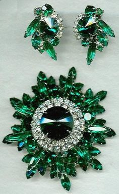 emerald jewelry set - I love the earrings