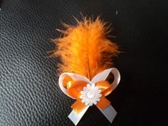 Svadobné pierko s oranžovým perím + biela+oranžová Dandelion, Brooch, Bows, Plants, Garden, Jewelry, Brooch Pin, Jewellery Making, Arches