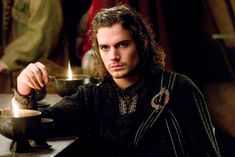 So I thought we'd start in when Henry appeared in Tristan & Isolde serving us Jason Momoa realness with his flowing locks and intense smoulder. Henry Cavill Has Always Been Hot And Honestly I Can't Deal Tristan Und Isolde, Jason Momoa, Adele, Enrique Viii, Kevin Reynolds, Young Henrys, Henry Williams, Man Of Steel, Most Beautiful Man