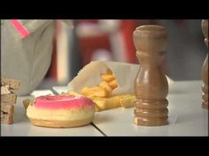 Dietary guidelines warn Aussies to cut down on junk - YouTube