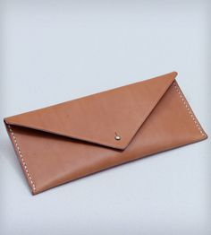 Hand Stitched Leather Travel Clutch | Women's Bags & Accessories | W Durable Goods | Scoutmob Shoppe | Product Detail