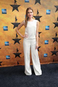Allison Williams.. white Oscar de la Renta look..