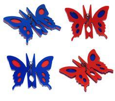 PREGADOR COM FORMATO DE BORBOLETA.  Clothes peg in butterfly format.