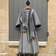 Echarpe en khadi (coton, filé, tissé main) - Handloomed Lucy dress and coton khadi stole (handspan and loom) Lucy Dresses, Loom, Kimono Top, Paris, Clothes, Women, Fashion, Spring Summer, Outfits