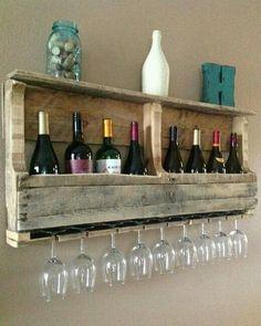Great DIY – Pallet Wine Rack–for a kitchen wall or basement wall. Great DIY – Pallet Wine Rack–for a kitchen wall or basement wall. Palette Diy, Wood Wine Racks, Wall Wine Glass Rack, Wall Hanging Wine Rack, Pallet Wine Rack Diy, Wooden Rack, Diy Hanging, Diy Casa, Diy Pallet Furniture