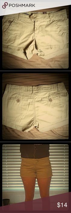 Freestyle Khaki shorts Adorable, hardly worn, great condition except for small spot in last picture. Very soft and comfortable, just too tight for me. Size 9 but feels more like a 7-some stretch to them. They'd love a new home! 😊 Freestyle Shorts