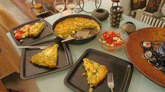 Ομελέτα φούρνου !! Αρέσει πολύ σε όλους !!! ~ ΜΑΓΕΙΡΙΚΗ ΚΑΙ ΣΥΝΤΑΓΕΣ Cyprus Food, Griddle Pan, French Toast, Breakfast, Desserts, Morning Coffee, Tailgate Desserts, Deserts, Grill Pan