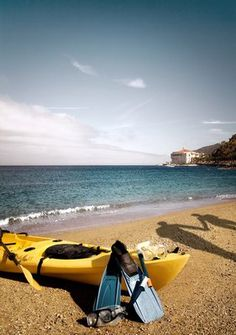 Catalina brings back fond childhood memories of encountering whales and dolphins as you cruise on over from Long Beach. Little known fact is this is a divine place to scuba dive..like being in a aquarium... Descanso Beach Club