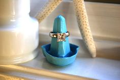 Ring holder made from recycled egg holder  + 22 other jewelry display DIY