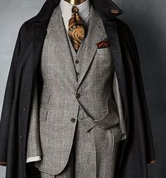 Ummm, who said mixing black with brown was a fashion no no? Sick!