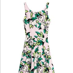 Tropical H&M Dress  Never been worn, size 8 dress from H&M very slim fitting and right above the knee, perfect for this summer!  H&M Dresses Midi