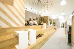 「ユナイテッド株式会社」のオフィスデザイン - WALL(ウォール) Space Interiors, Office Interiors, Interior Office, Creative Office Space, Cool Office, Commercial Design, Commercial Interiors, Study Cafe, Office Images