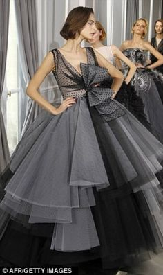 EXQUISITE ! HOUSE OF #Dior COUTURE FALL 2012 I am not the girly type,but i just love this dress.